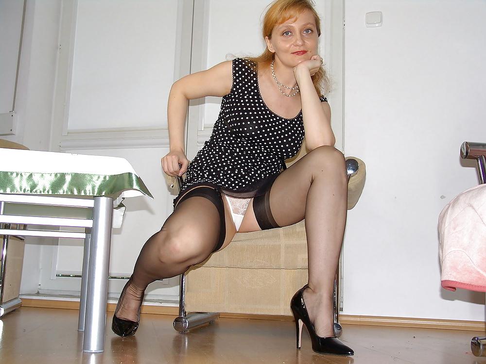 Под юбкой зрелой женщины