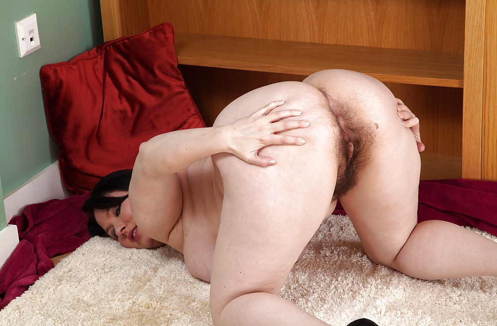 Big ass hairy pussy porn pics