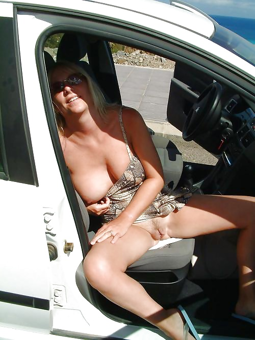 wife-flashing-cars-is-bonjovi-bisexual