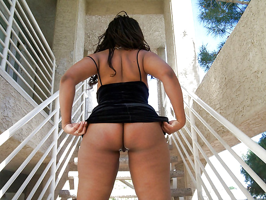 Ebony Outdoors - Amateur Babes Black_and_Ebony