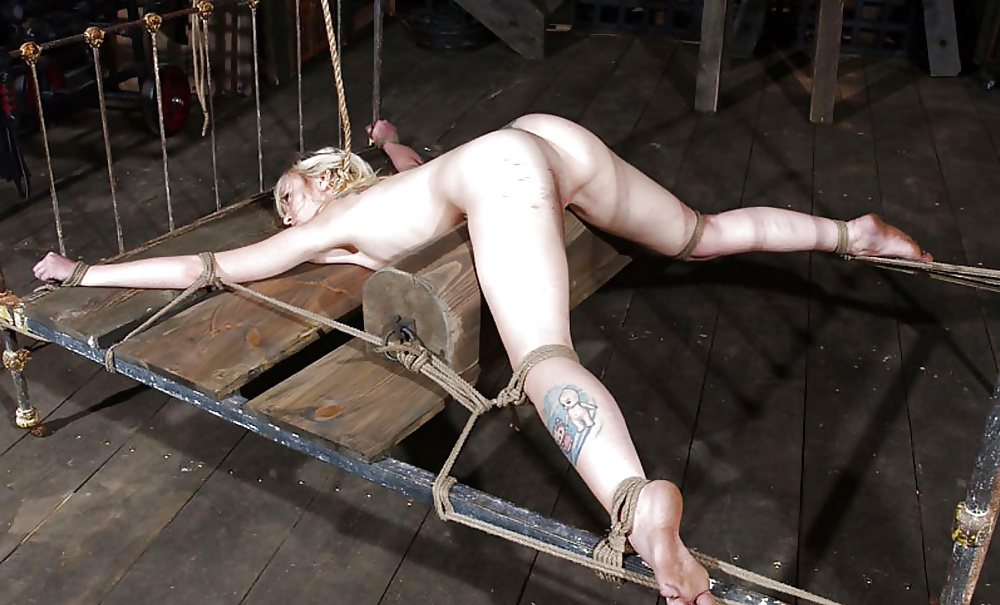 Картинки про секс в подвале привязана полностью — pic 11
