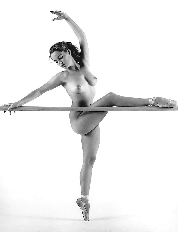 Ira naked ballerina