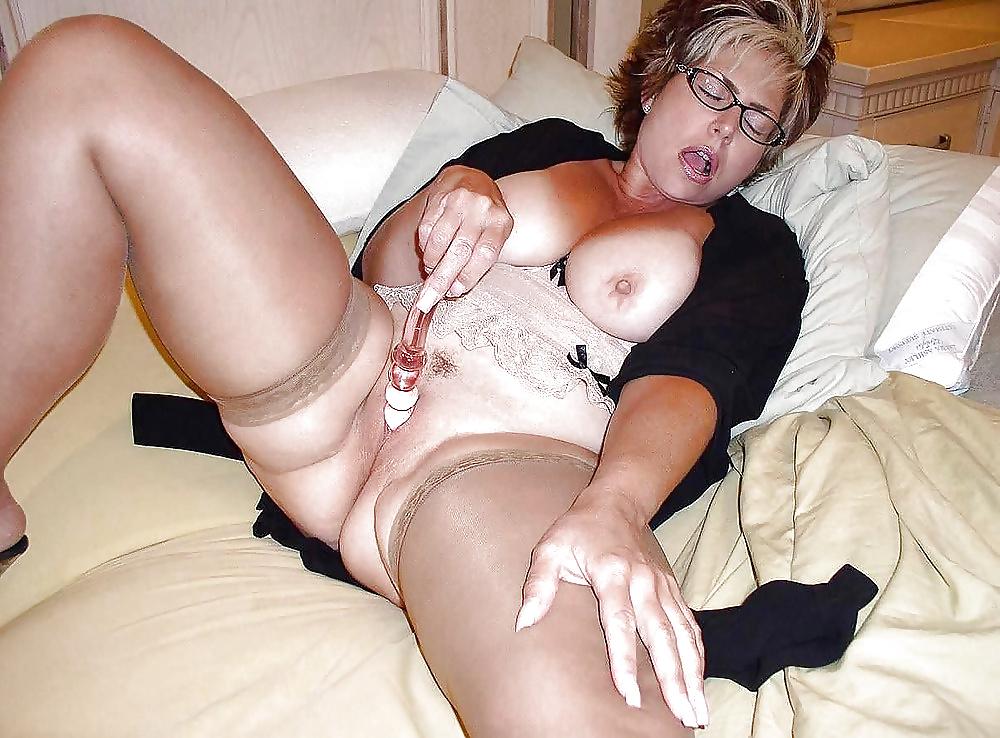 Hot Mature Moms Blog