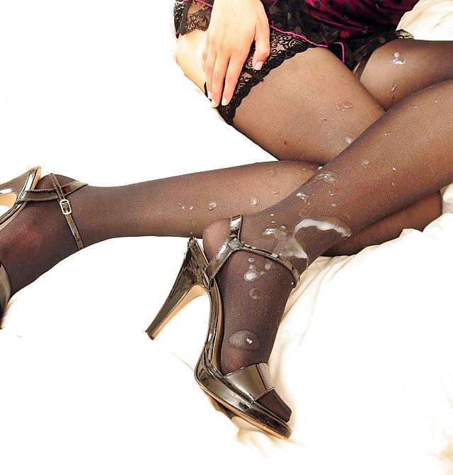 Ножки чулки сперма, голая девчонка атлетика в эротике