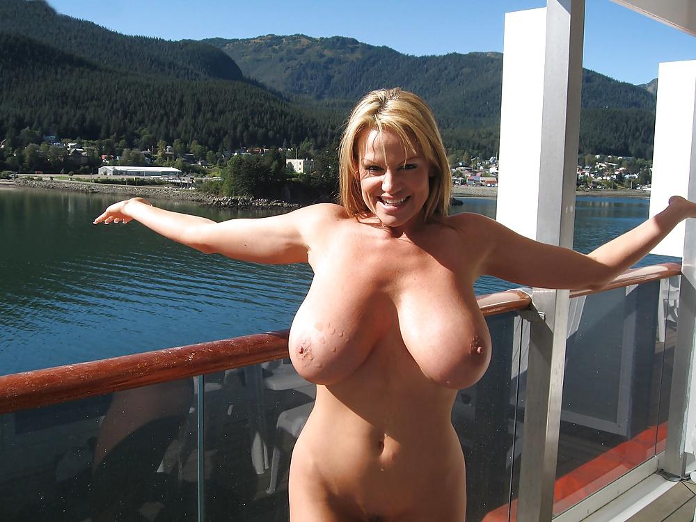 Blonde big tits mature mom