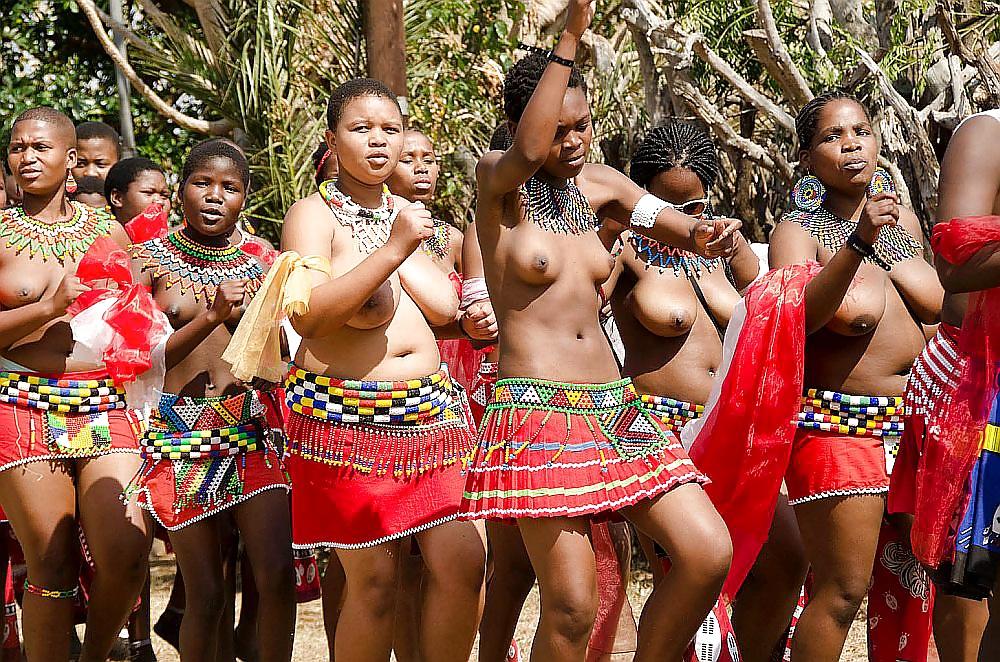Zulu maiden completely nude — photo 12