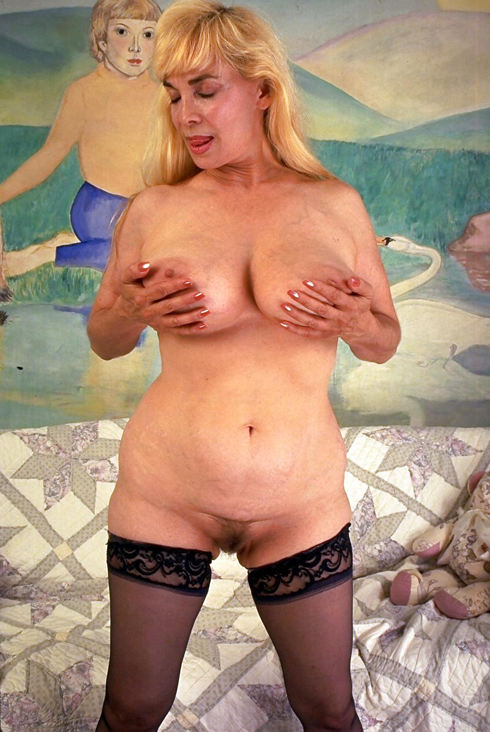 Free huge tits granny pics