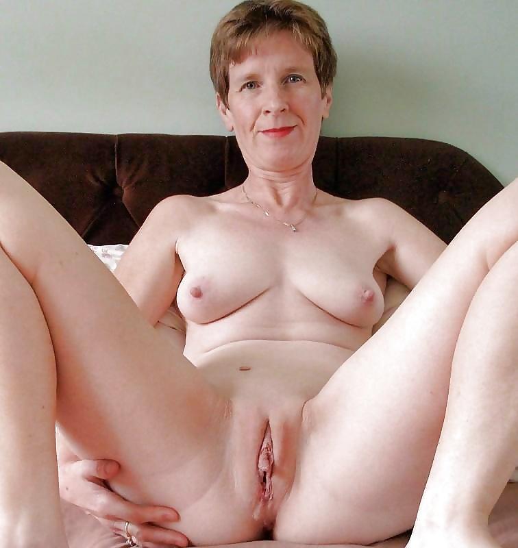 Shaved mature fuck porn