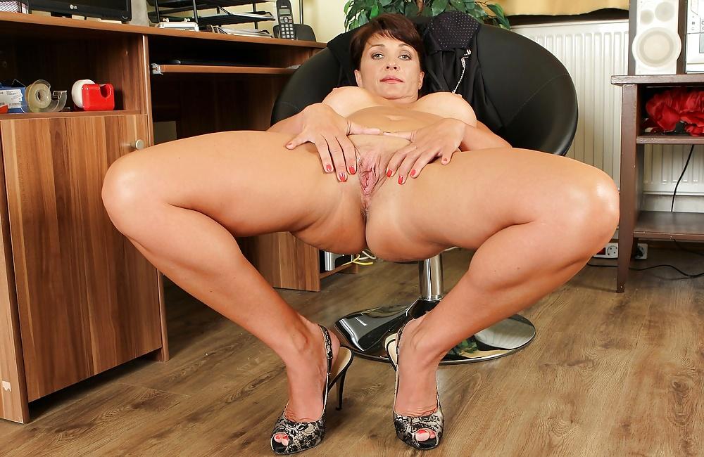 Big legs sex galleries free — pic 5