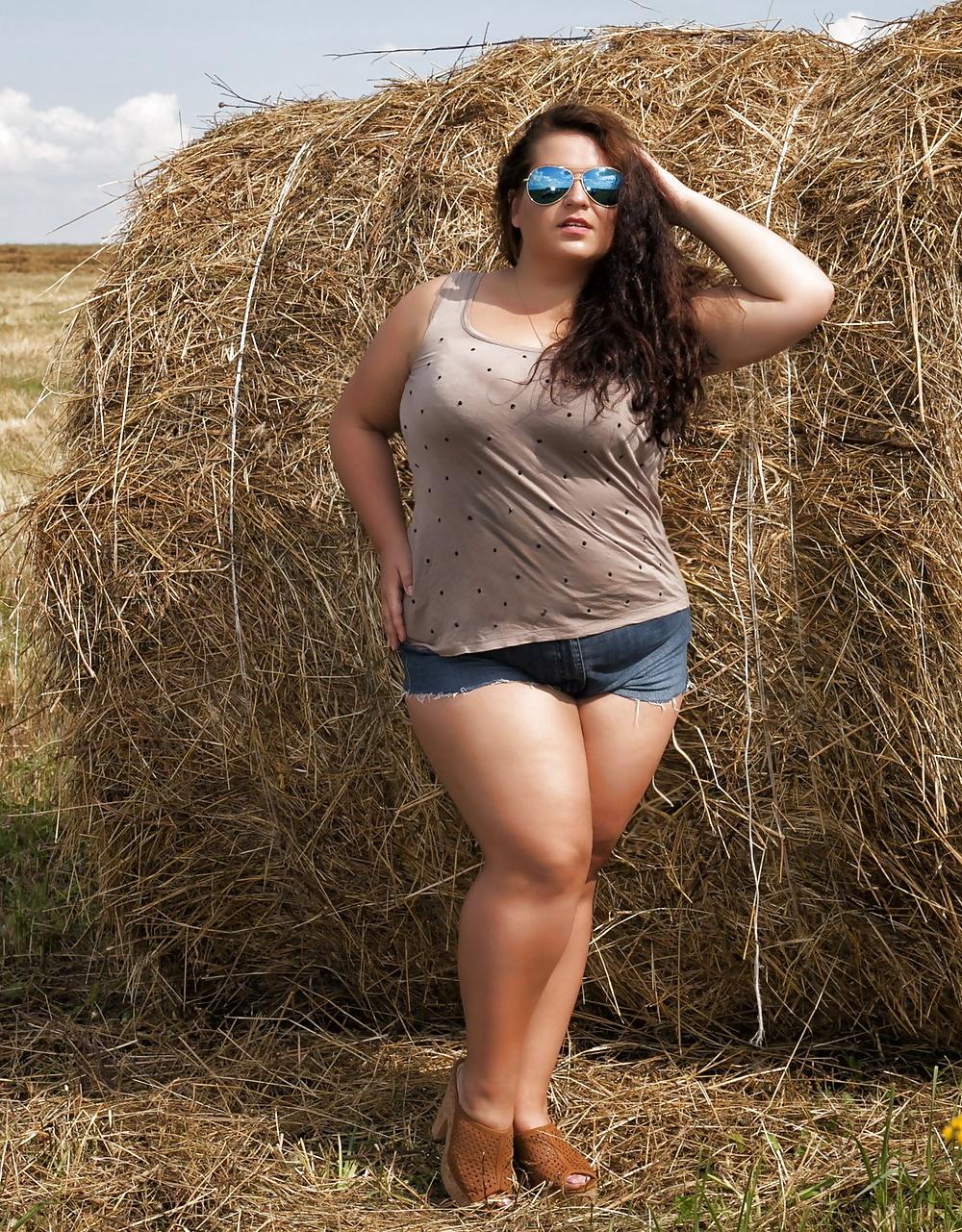фото с телефона деревенских толстушек главные интересные достопримечательности