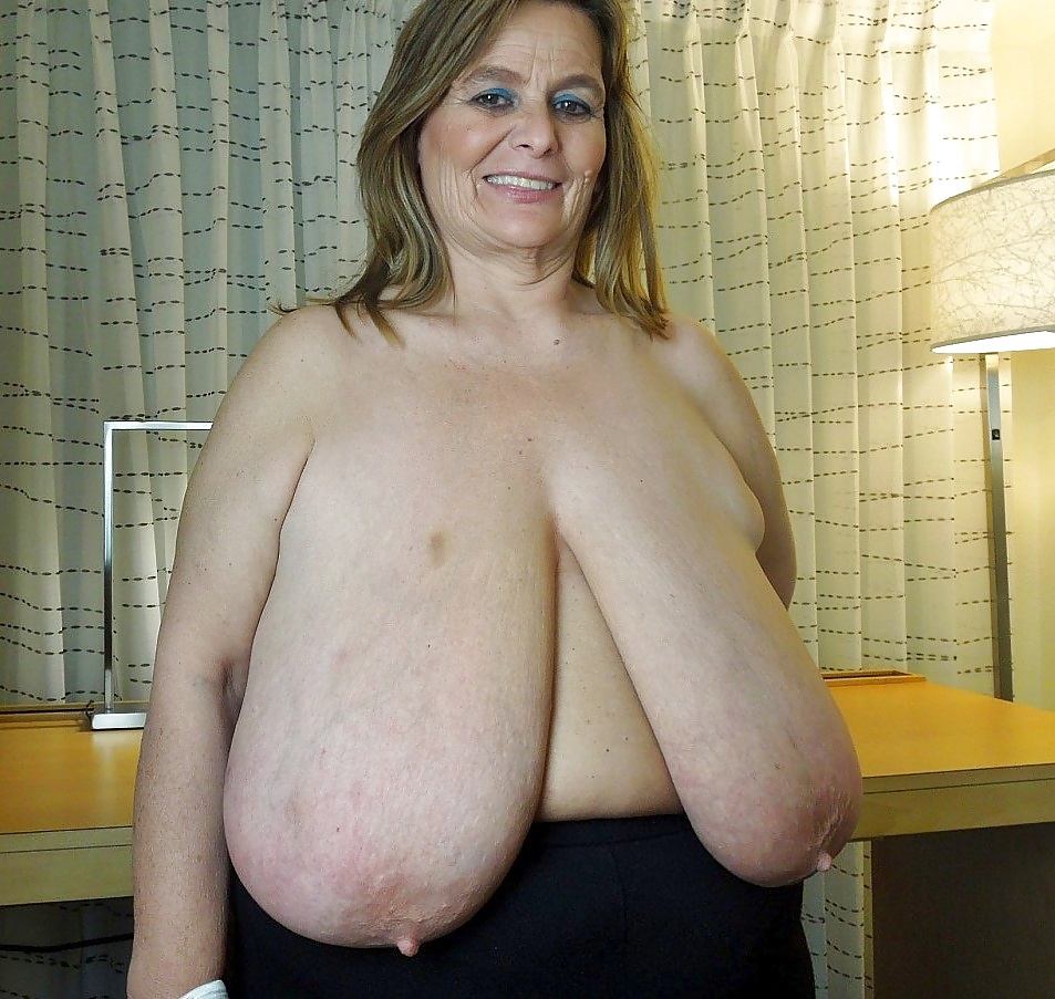 Naughty older women with saggy tits photos