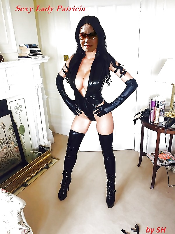 Patty Michova In Latex Outfit And Boots Poses For Camer Likuoo 1