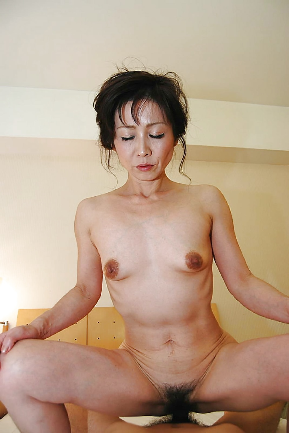 Chinese Milf Lady Loves To Show It Wearing Sexy Lingerie Home Porn