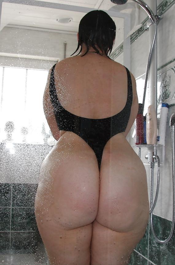 Wide hips big ass moms bent over