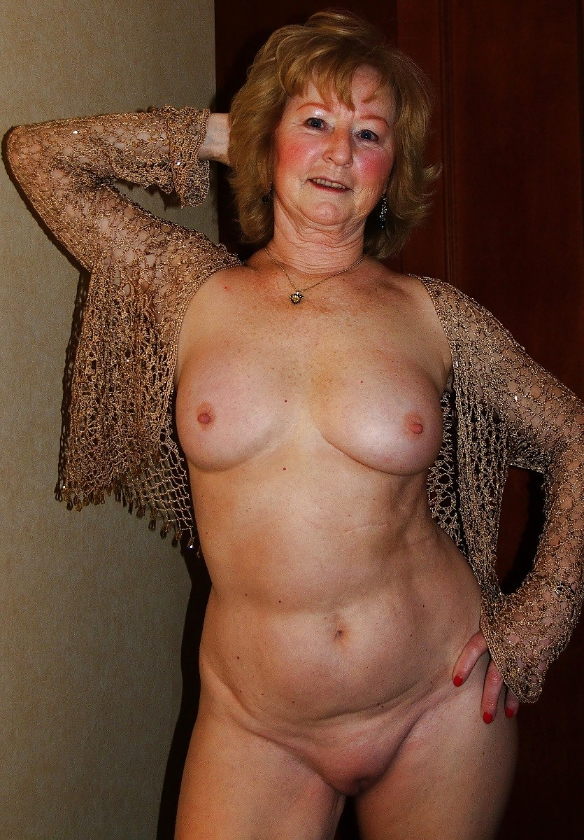 Ебля фото мои голые старушки кончают нее фото