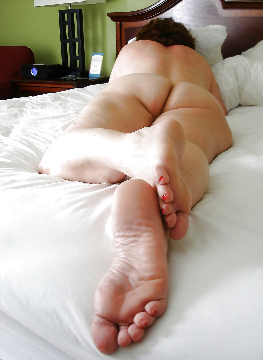 Feet Mature Flipflops Soles Toes Wife