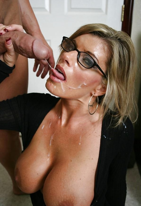 Download photo sexy milf gets splattered with cum cum
