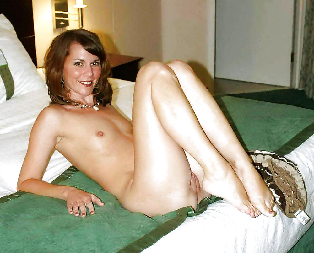 Small tits milf sex pics