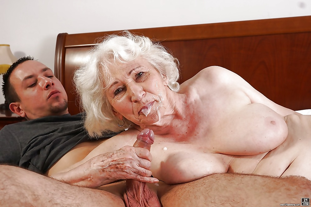 Old naked grandma movies — pic 4