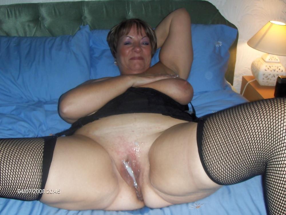 Milf slut granny pussy voyeur inter erotic photos