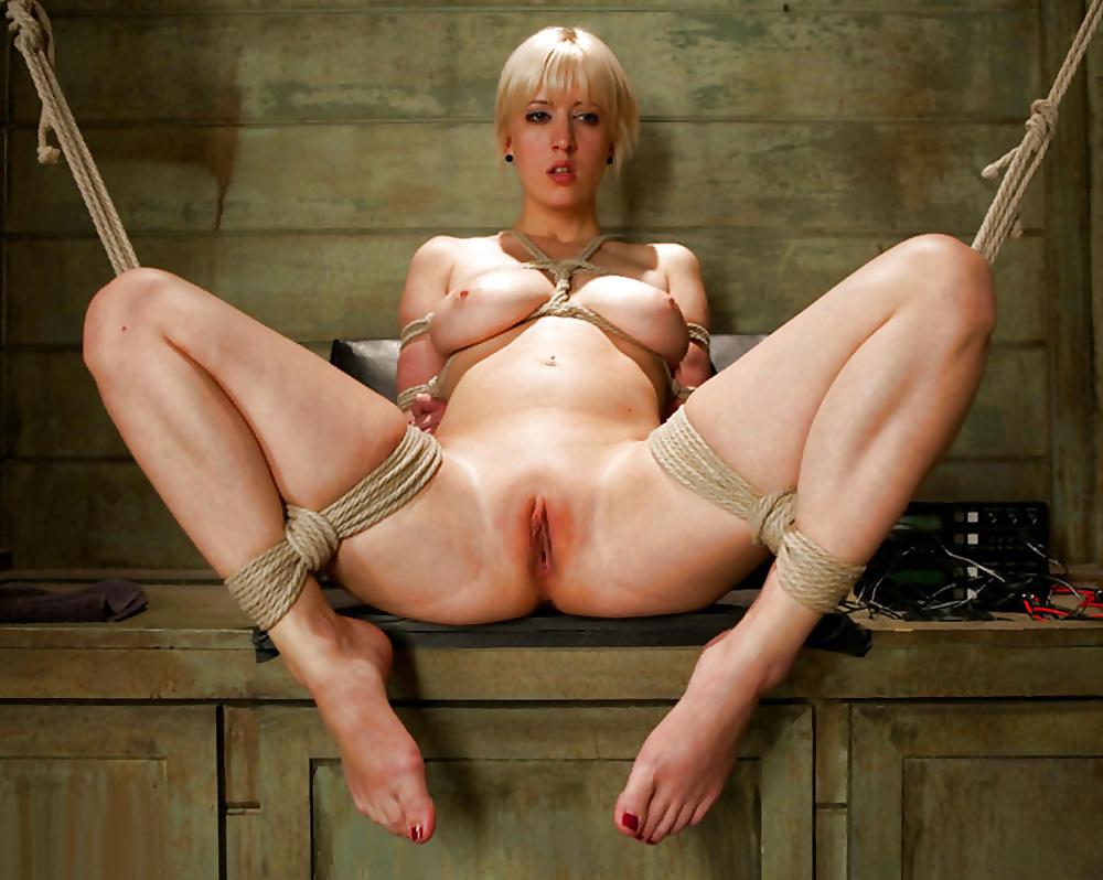 Порно фильм зрелые бдсм, ебля телки с громадными сиськами
