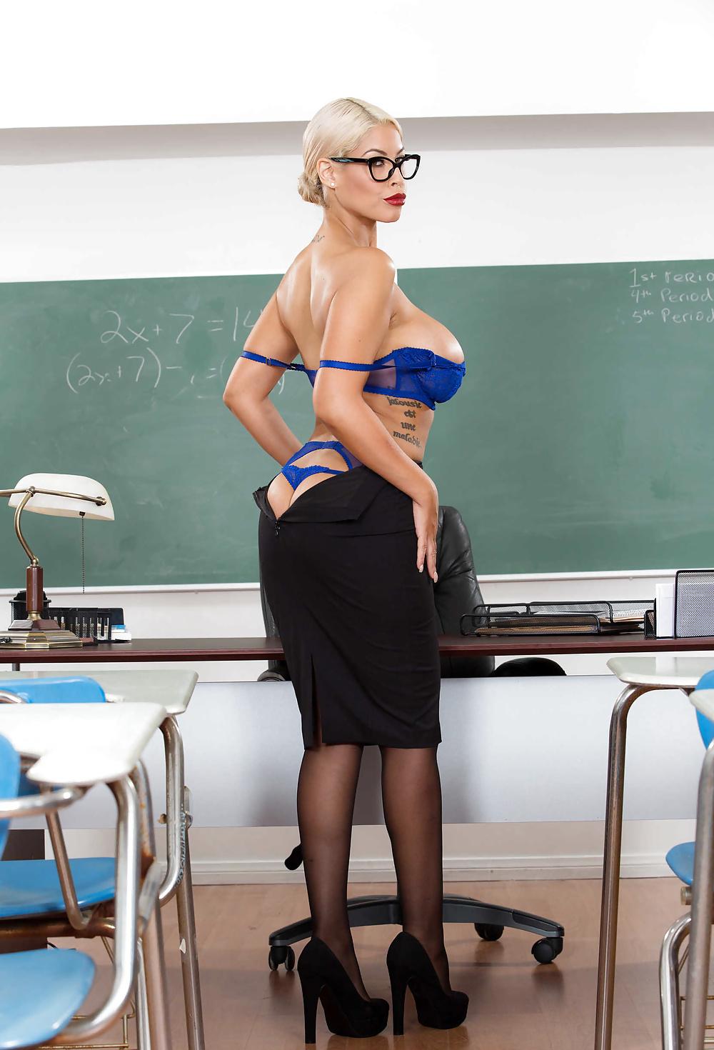 Naked milf babe teachers