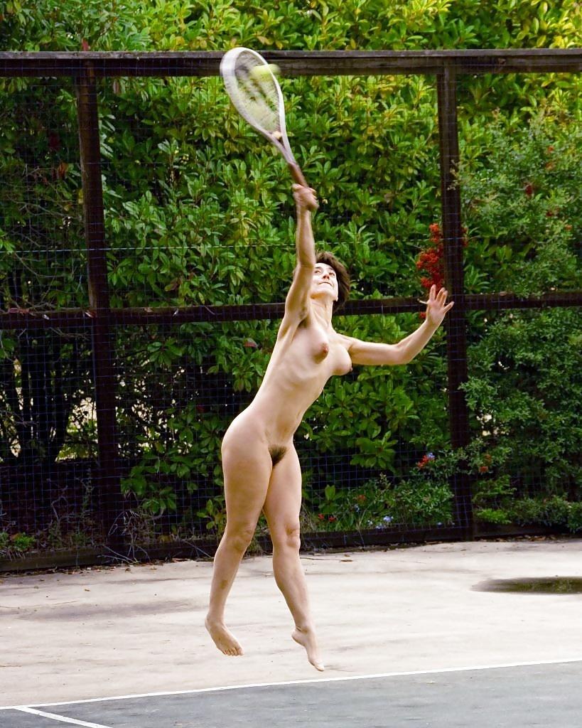 Naked tennis girl
