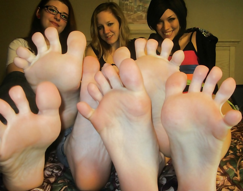 Amateur Girls Adore Feet Celebgate 1