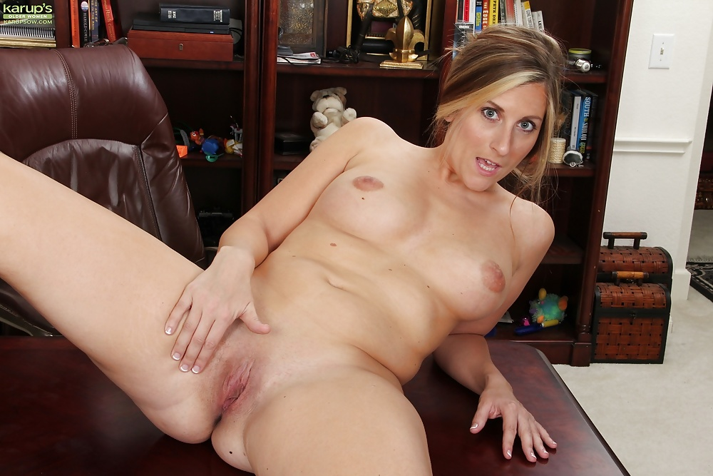 Karups Mature Women Nude