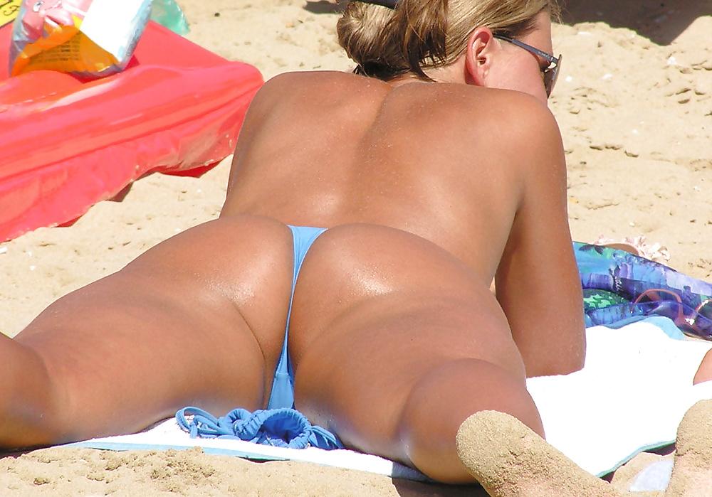 Interracial Beach Voyeur