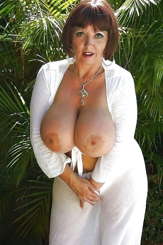 персонажи предоставленных качественное фото зрелых с большой грудью развратная шлюха