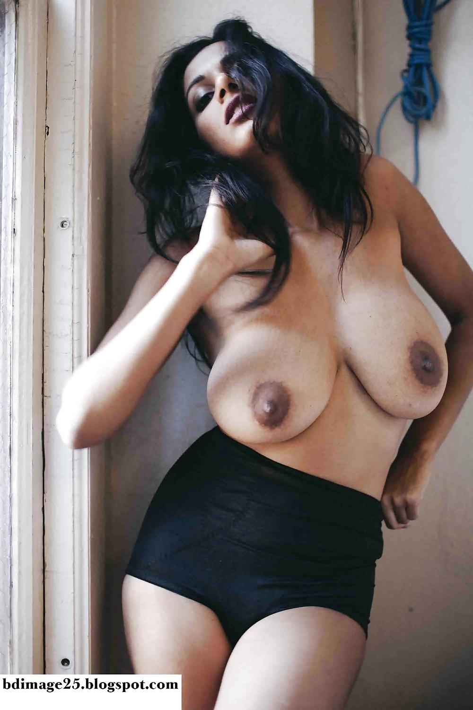 Beauty of nude desi busty girl