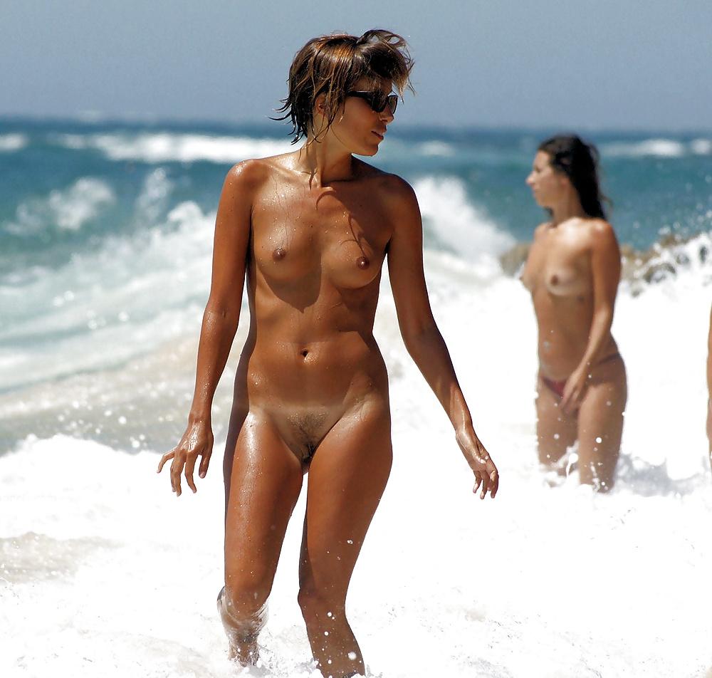 Beautiful nudist picture