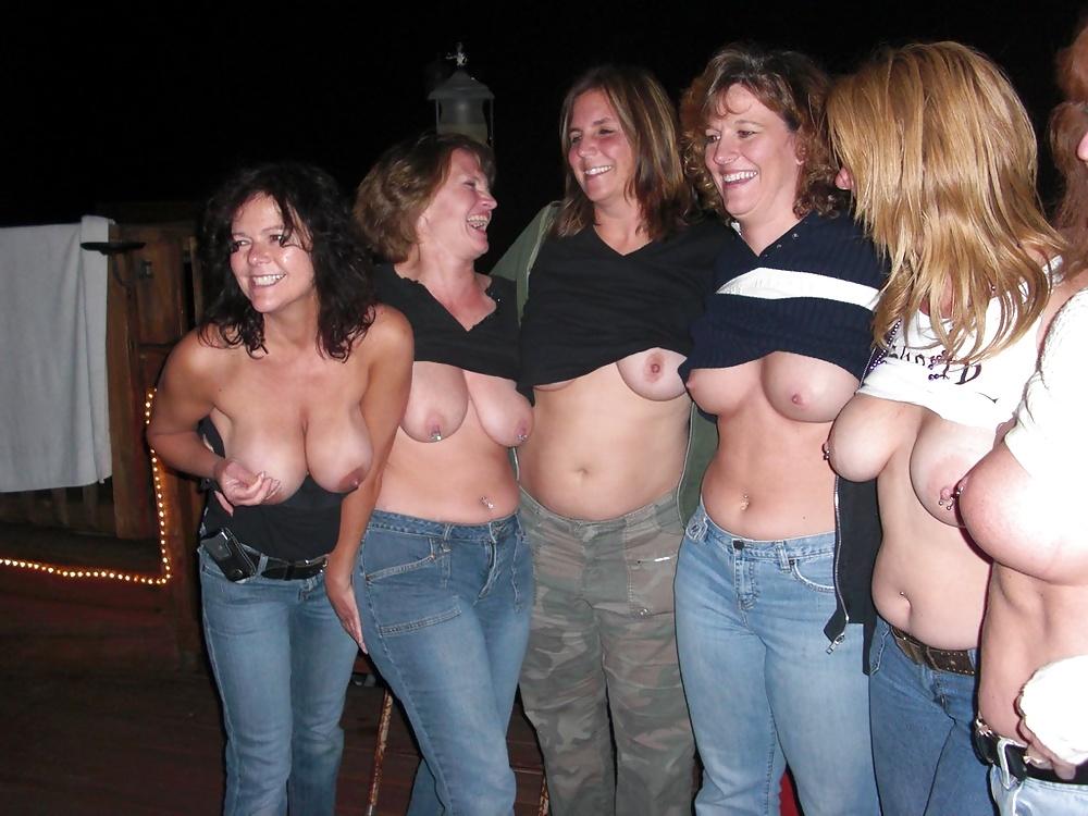 Mixed Naked Dancing Mature Lesbian Streaming