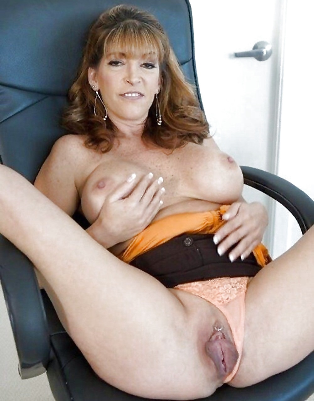 Japanese mature woman dirty hairy muff photos leaked