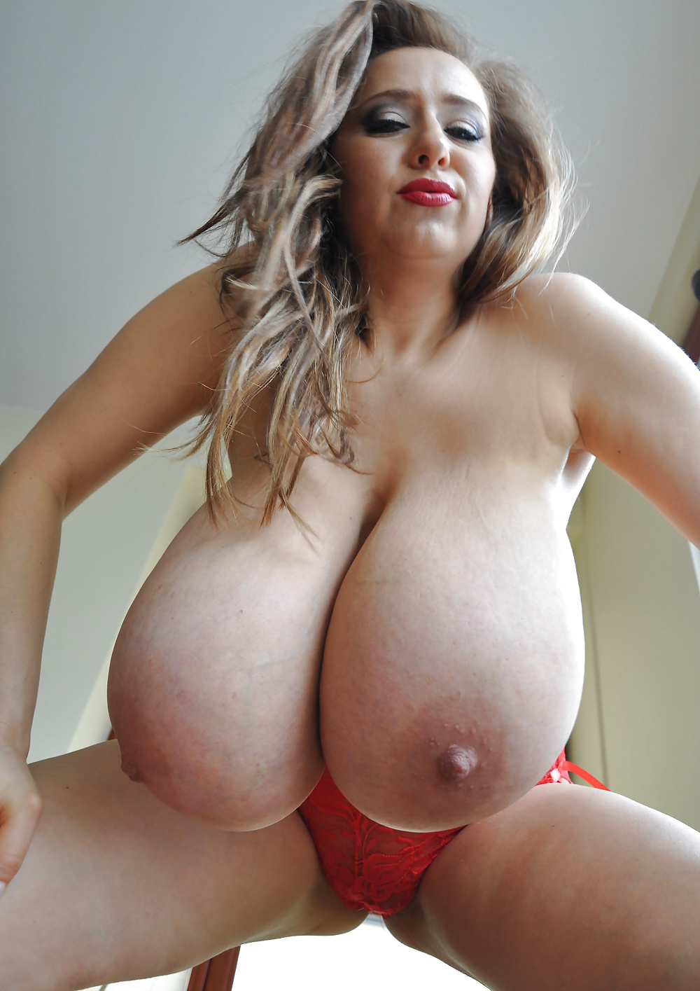 extremely-large-breasts-nude