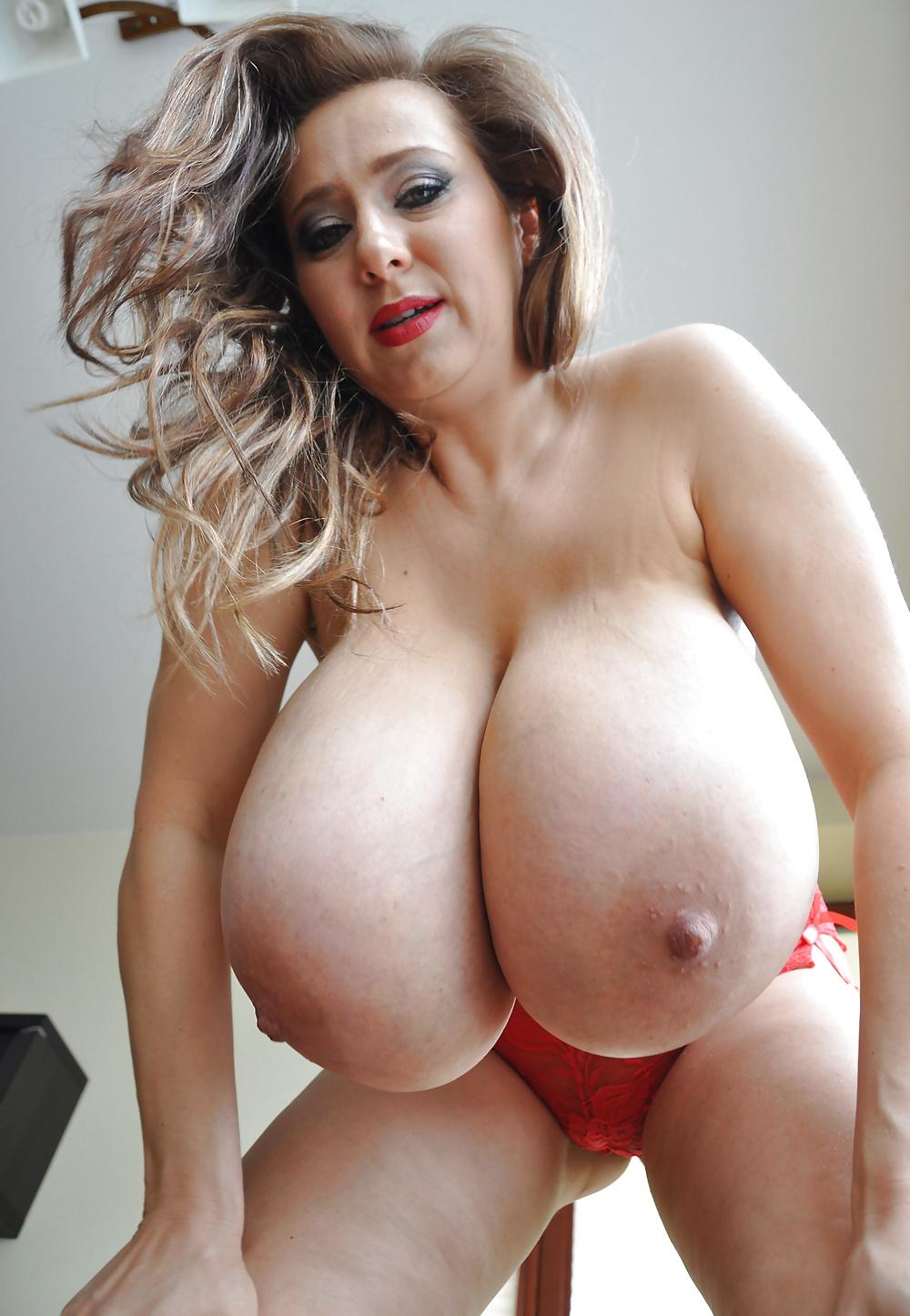 Sexy mature milf big tits pics