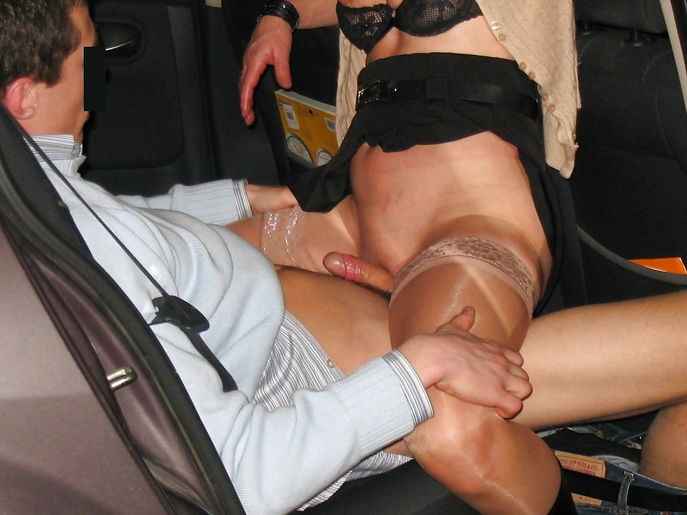 Slut with stockings banged in car