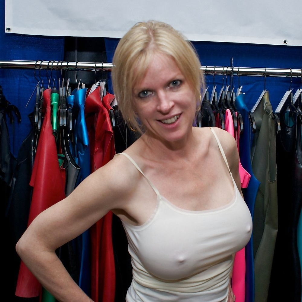 Женщины без одежды и без лифчика ученые неоднократно