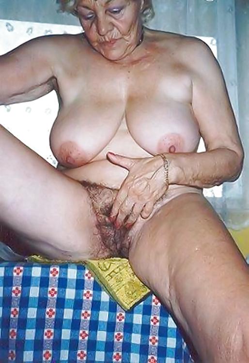 Ugly mature ladies fucking