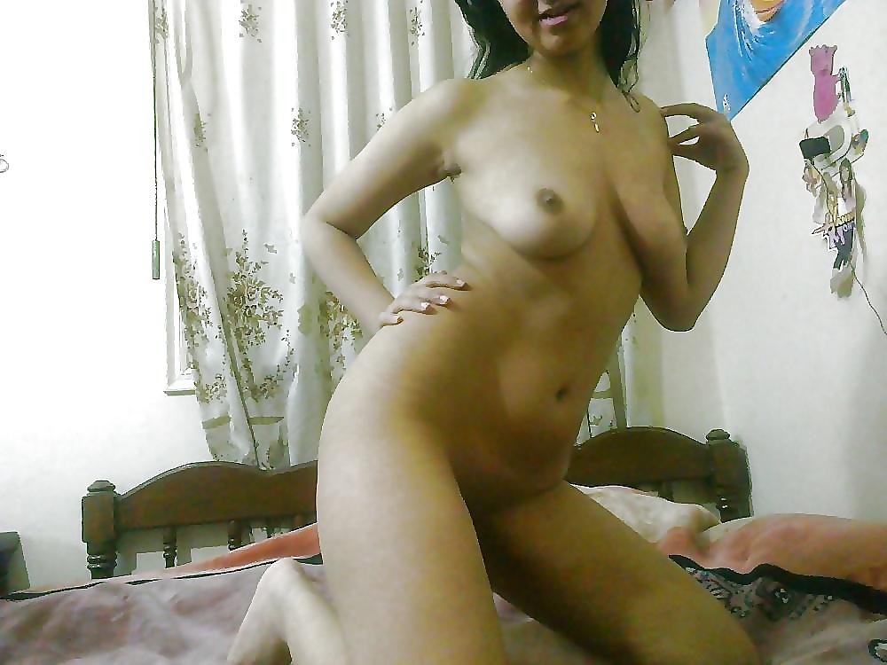 Hairy Egyptian Amateur Teen Spreading Pussy