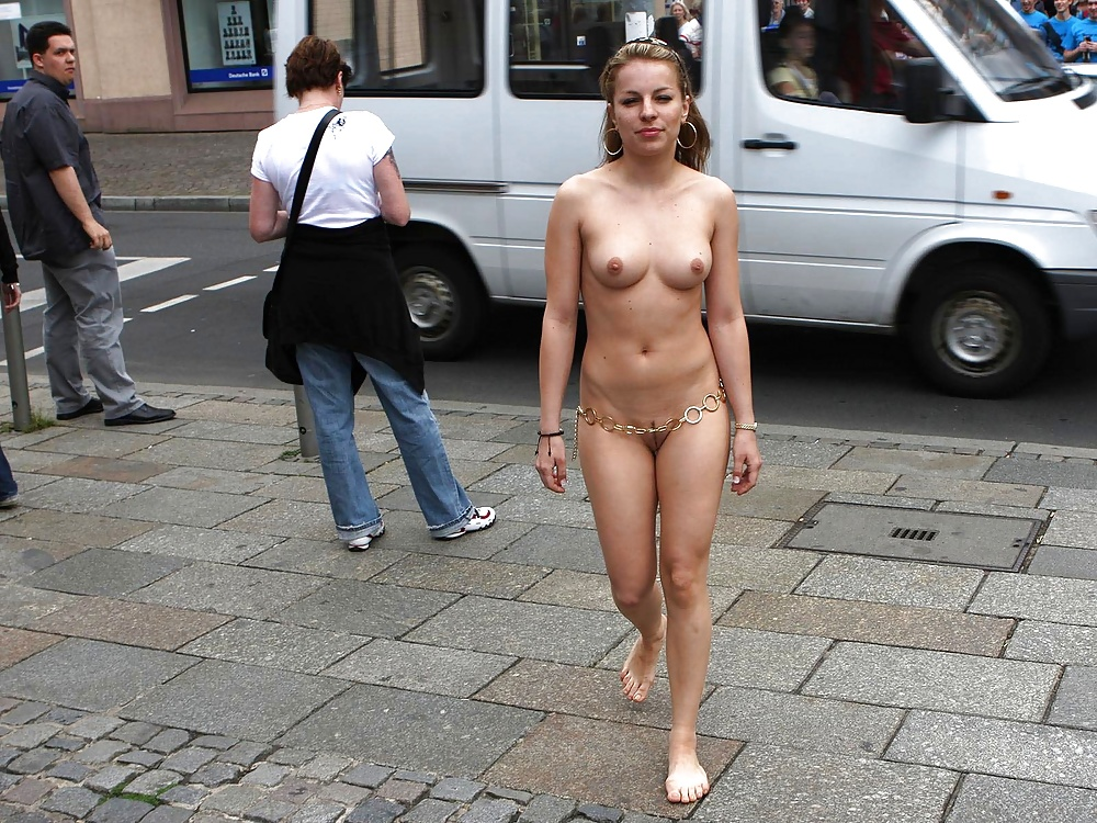 Fully naked girl walks around then fcuked