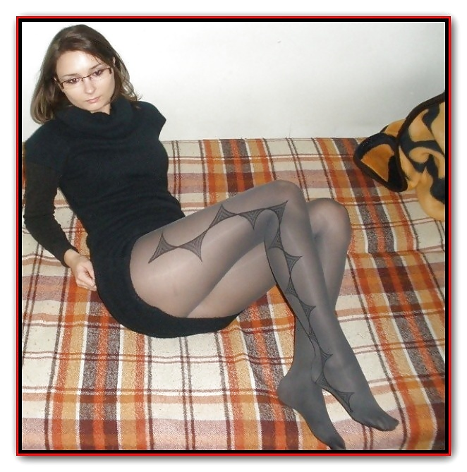 Amateur Adrianne's Pantyhose Photo Forum