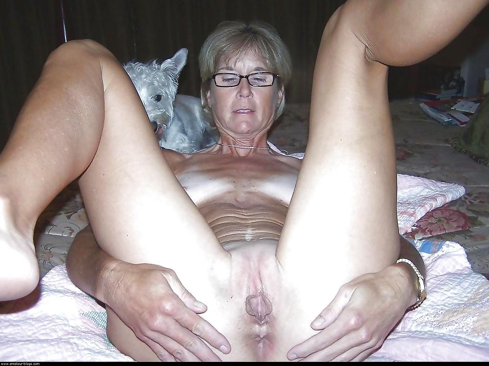 Пожилая немка расставила ноги, порно чужие реалии