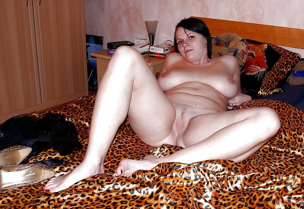 Зрелая русская домашка пышка вся в соку трах спальне