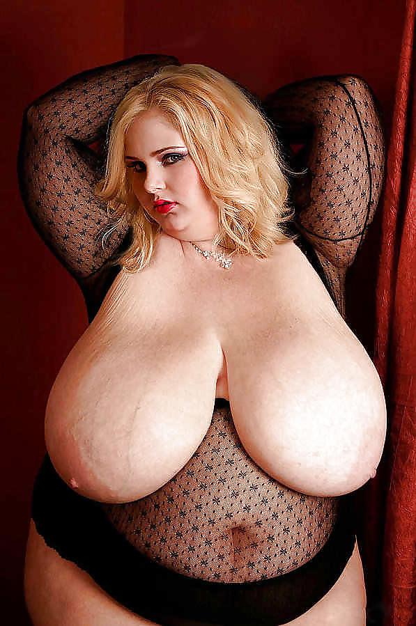 Chubby beauty with big boobs teasing on cam