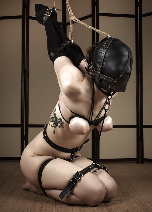 Female selfbondage