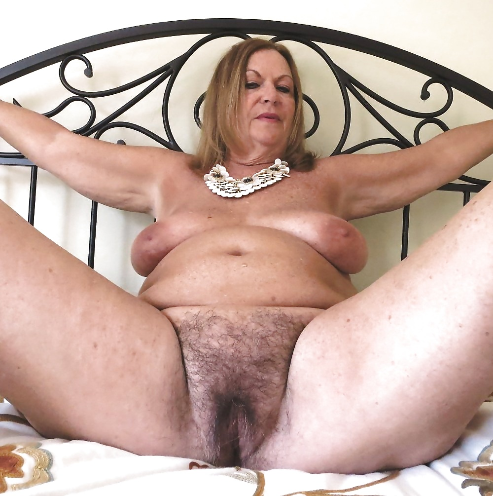 Licking her hairy wet granny pussy nunuporn xxx porn pics