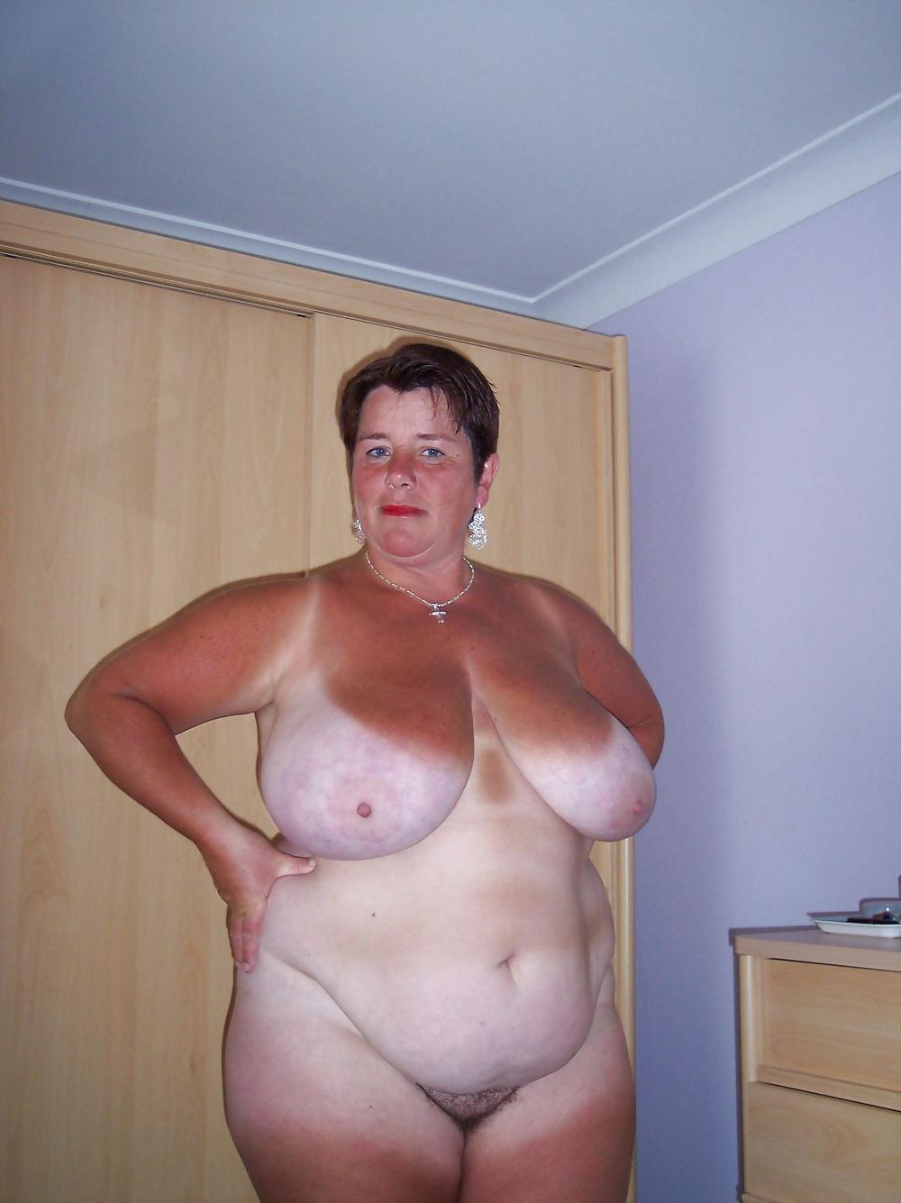 golie-starie-zhirnie-tetki-foto