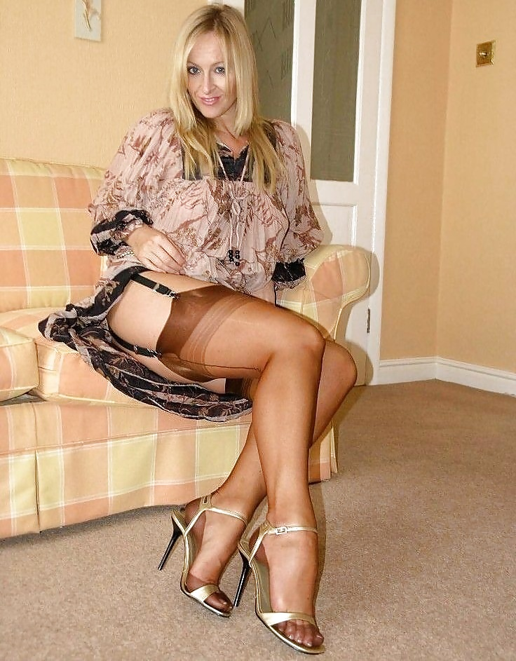 Girls in nylons free pictures